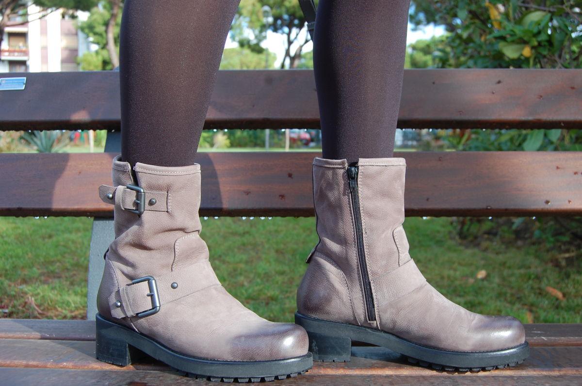 boot con fibbie
