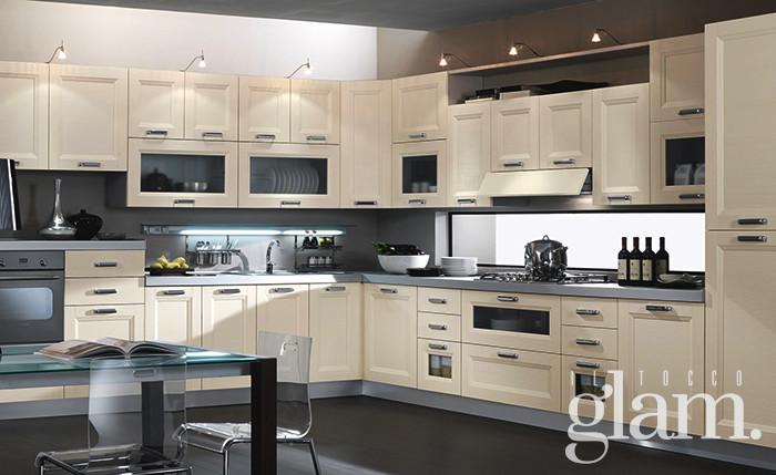 5 consigli per illuminare la cucina con le lampadine led for Lampadari con led