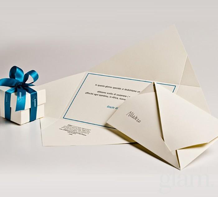 scatolina e cartoncino azzurro